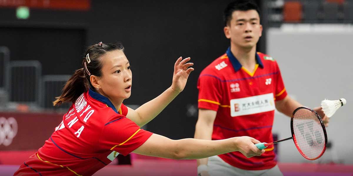 Zheng Siwei and Huang Yaqiong